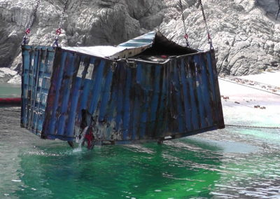 Salvage ship container